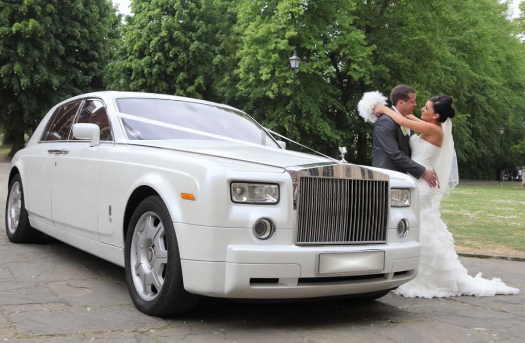 Torontos-rental-rolls-royce-phantom-white_2